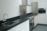 5-keuken_met_rolluik_dicht